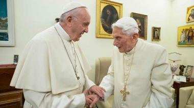 El Papa reafirma apego a celibato de sacerdotes, salvo casos excepcionales