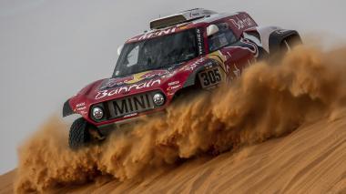 Sainz y Brabec consolidan liderato en jornada del Dakar