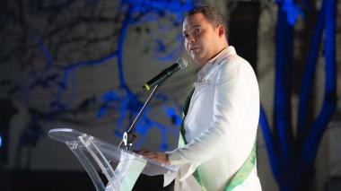 Gobernador Nemesio Roys Garzón.