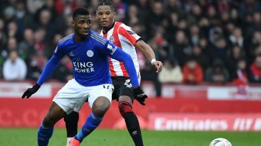 Leicester gana a equipo de segunda y pasa a octavos en FA Cup