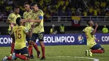 Alvarado, Atuesta, Segura y Fuentes luego del triunfo ante Venezuela.