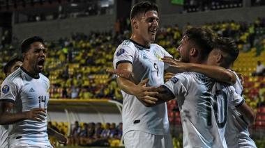 Argentina continúa imparable