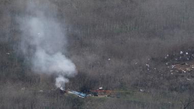 Restos del helicóptero de Kobe Bryant tras el accidente.
