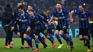 Inter remonta 4-2 en el derbi e iguala con la Juventus en el liderato