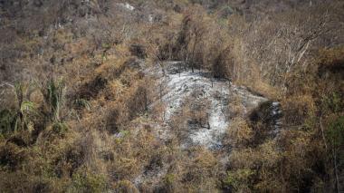 Las imágenes muestran parte de los daños causados en la Sierra Nevada luego del incendio que se extendió por seis días.
