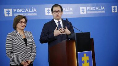 La vicefiscal Marta Janeth Mancera, junto al fiscal general de la nación, Francisco Barbosa.