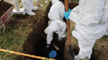 Exhuman otros siete cuerpos de posibles 'falsos positivos'
