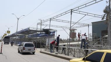 En video | Carrera contrarreloj en La Vía 40 por la antesala de la Batalla de Flores