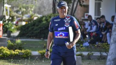 Julio Avelino Comesaña no se muestra estresado.