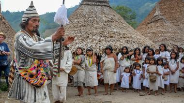 En video | Una aldea que danza y toca a la naturaleza