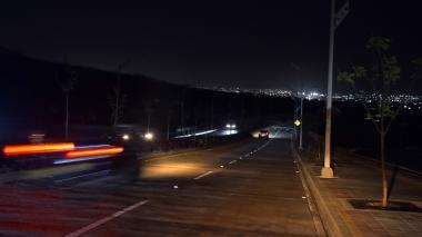 Por robo de cables la nueva carrera 43 se queda a oscuras