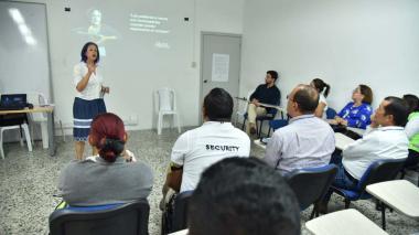 Aspecto de la capacitación que reciben más de 190 trabajadores del aeropuerto Ernesto Cortissoz.