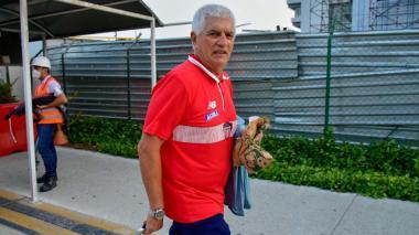 Julio Comesaña al llegar ayer a Barranquilla.