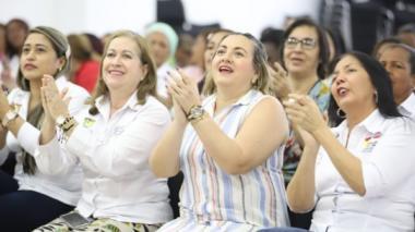 Gestora social de Bolívar rinde homenaje a la mujer