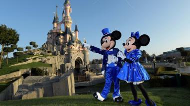 Disney cierra parques de Florida y París por coronavirus