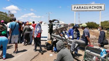En video | Viajeros sorprendidos con el cierre de frontera
