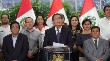 Perú cierra fronteras y decreta emergencia