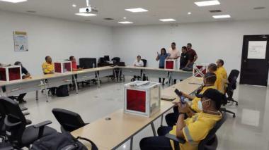 Sindicatos votan la huelga en Cerrejón