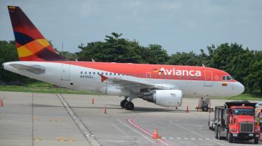 Avión de Avianca en el aeropuerto Ernesto Cortissoz.