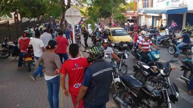 Vendedores informales se toman la Gobernación de Sucre