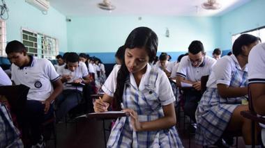 Lupa a cobros por servicios extras en colegios privados
