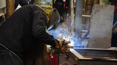 Trabajador de una empresa del sector metalmecánico de Barranquilla.