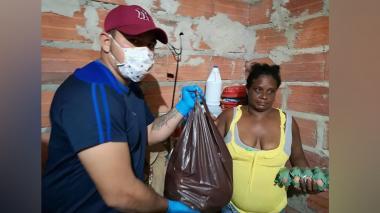 ¡Unidos podemos! Grupo de jóvenes dona ayudas a menos beneficiados en La Playa
