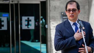 """""""Funcionario que se robe los recursos, saldrá de la vida pública"""": Fiscal general"""