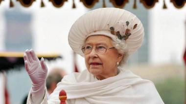La reina Isabel ll invitó a celebrar la pascua.