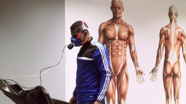El defensor barranquillero Armando Nieves, exjugador del Junior, pasando unas pruebas médicas.