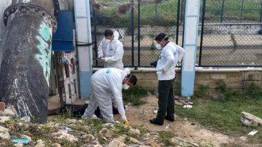Encuentran cuerpo en descomposición cerca al caño de la Auyama