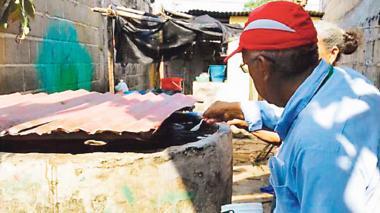 Tanques y albercas se deben lavar cada ocho días, según la Secretaría de Salud.