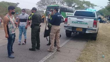Retienen en Cesar a 47 venezolanos que iban sin permiso hacia Paraguachón