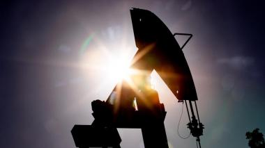 El barril de petróleo Brent rebota y sube hasta 20,39 dólares