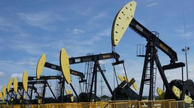 El petróleo Brent baja un 8,10 %, hasta USD 19,74