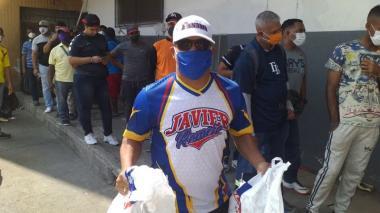 Federación Colombiana de Béisbol inicia entrega de mercados solidarios