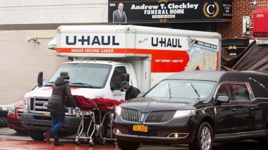 """Alcalde de Nueva York califica de """"abominable"""" cadáveres hallados en camiones"""
