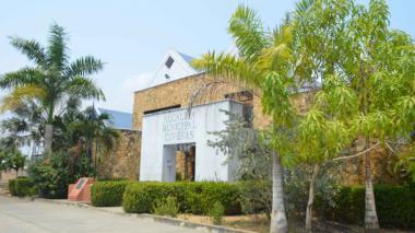 Fachada de la Alcaldía de Coveñas.