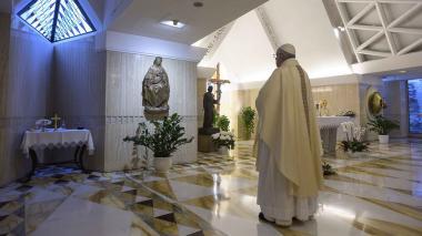 El Papa pide que familias continúen la cuarentena en paz y con creatividad