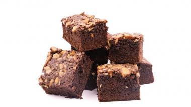 En video | Deleite a mamá con un rico 'brownie' con almendras