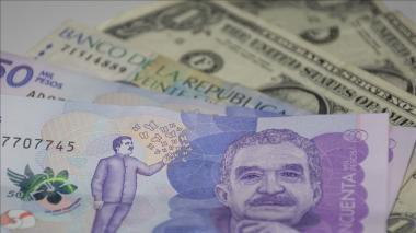 Dólar mantiene tendencia a la baja y abre en $3.900