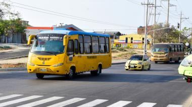 Habilitan 90 rutas de buses y 31 de Transmetro desde este lunes