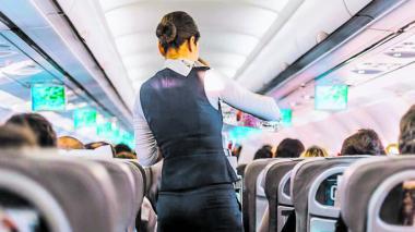 Vuelos nacionales volverían sin prestar servicio a bordo