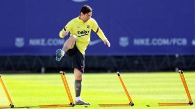 Lionel Messi entrenando con el Barcelona FC.