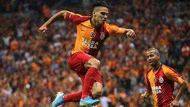 El delantero colombiano Radamel Falcao García con el Galatasaray.