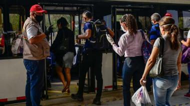 Transmetro aumentó usuarios movilizados en cuarentena por reapertura de sectores económicos