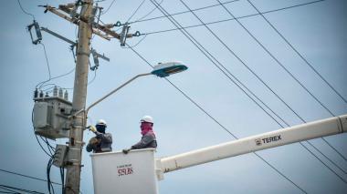 Robledo cita a debate para detener venta de Electricaribe