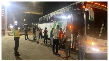 Sancionan a 18 pasajeros que pretendían viajar a Santa Marta en buses de servicio especial