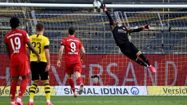 El Bayern derrota al Dortmund y ve cerca el título