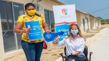 Gobernación entrega primeras viviendas a beneficiarios en Santo Tomás